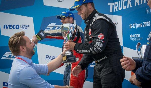 Az EXIM vezérigazgatója is díjazta a hétvégi Kamion Európa-bajnokság győzteseit