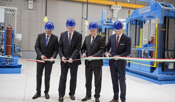 Felavatták a Jankovits Engineering Kft. üzemcsarnokát