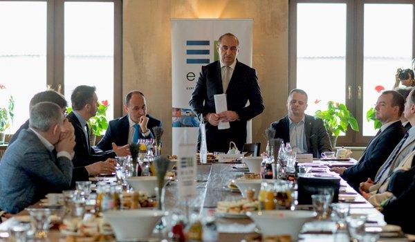Üzleti reggelit tartott az EXIM Kecskeméten