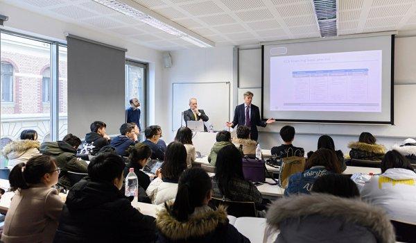 A világ egyik legnagyobb cége tartott előadást exportfinanszírozás témában a Budapesti Corvinus Egyetemen